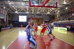 «Спартак-Приморье» проиграл баскетболистам из Сургута