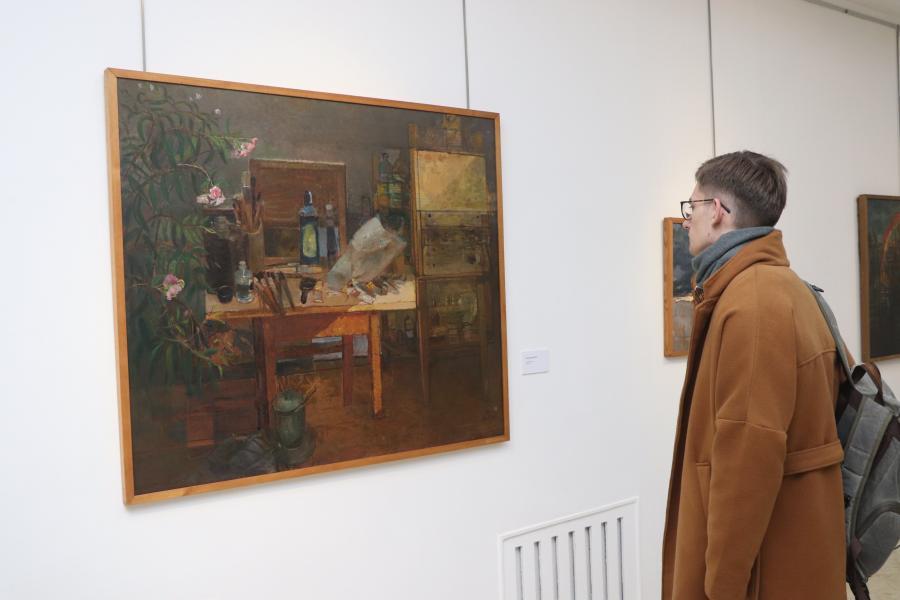 Во Владивостоке открылась выставка «Геннадий Омельченко: в постоянном поиске истины»