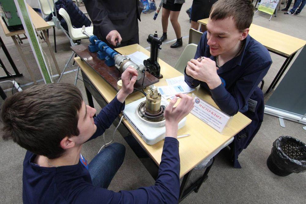 Приморским школьникам показали, какие в крае есть профессии