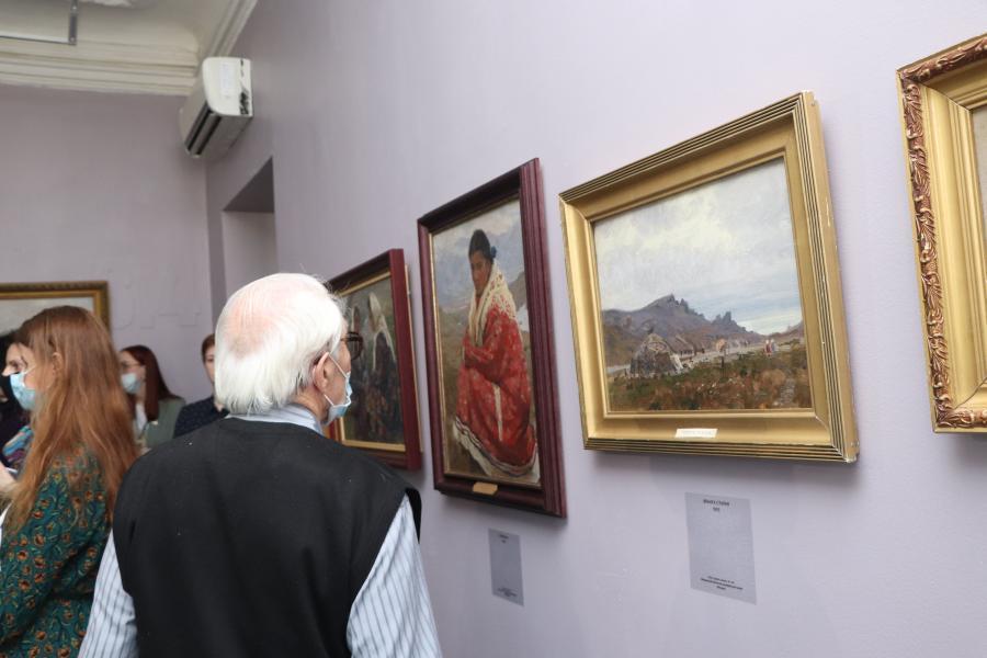 Во Владивостоке состоялось открытие выставки «Иван Рыбачук. Призвание – Дальний Восток»