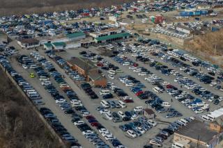 Фото: PRIMPRESS   ЧП с авто произошло на крупнейшем авторынке Дальнего Востока «Зеленый угол»