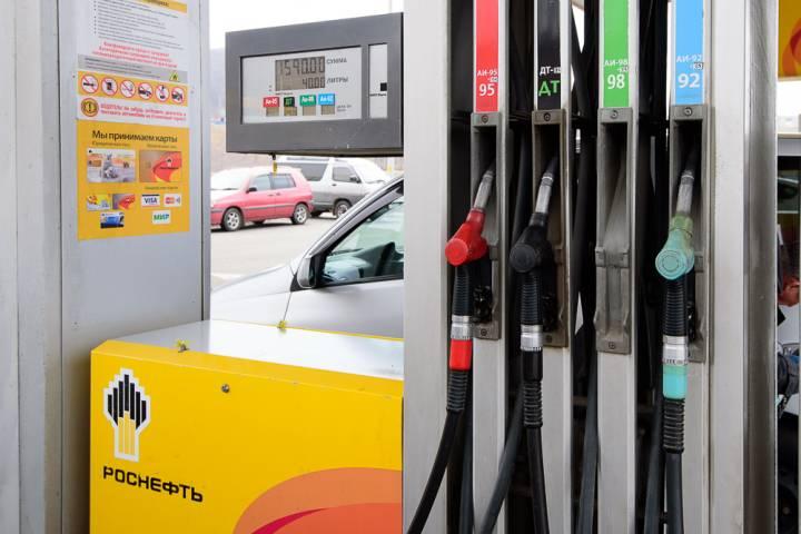 Уличный опрос: довольны ли автомобилисты качеством бензина на АЗС Владивостока?
