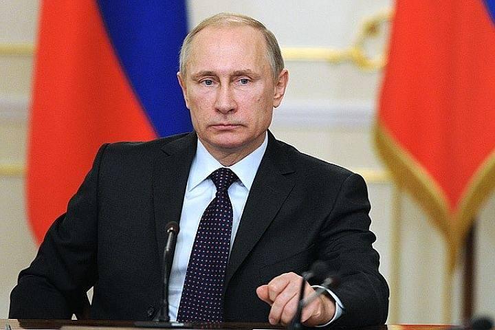 Путин похвалил россиян