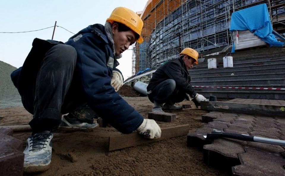 В Приморье названа структура, которая будет зарабатывать на мигрантах