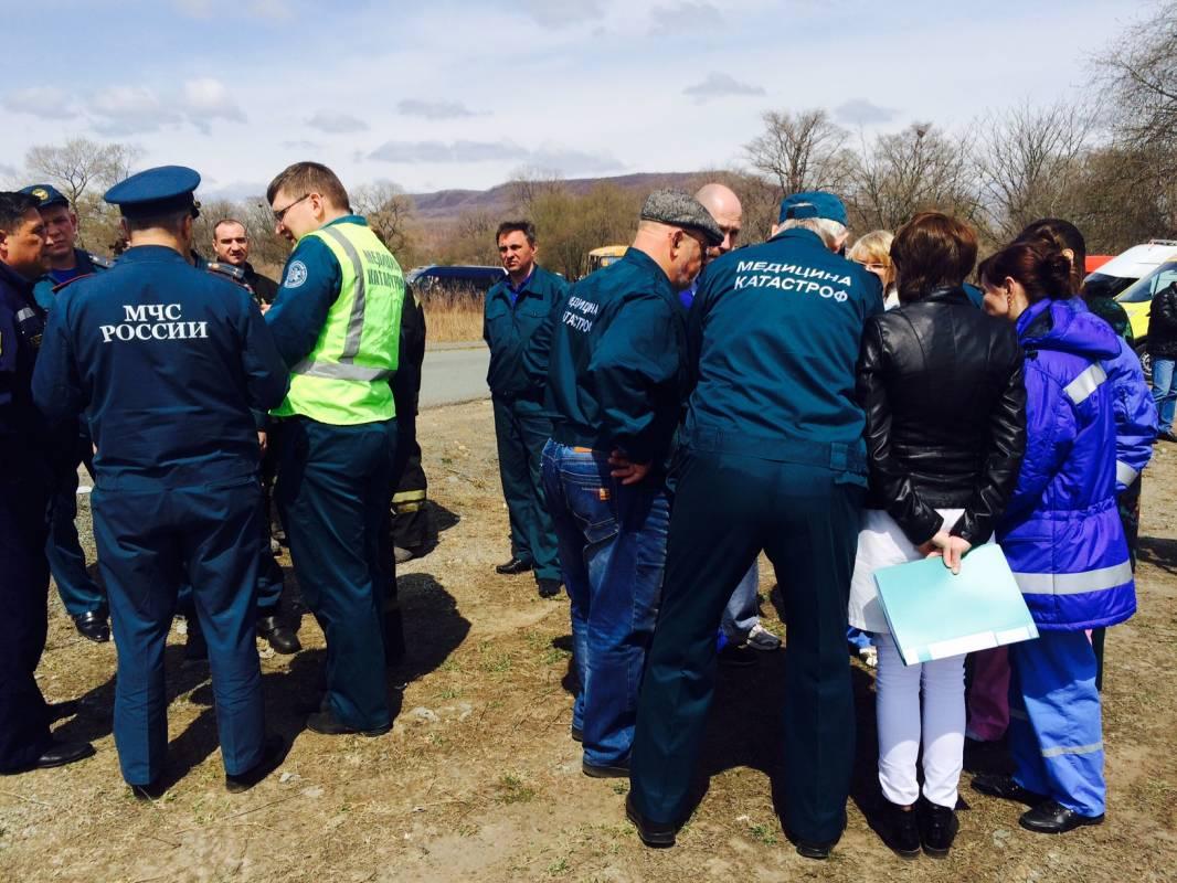 Учения по спасению школьников, пострадавших в ДТП, прошли в Приморье
