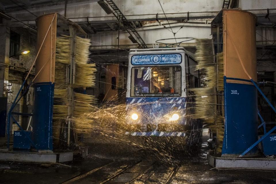 Кто и как моет общественный транспорт во Владивостоке