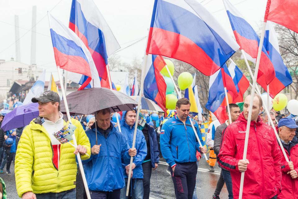 Первомай во Владивостоке в фоторепортаже PRIMPRESS