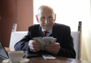 Фото: pexels.com | Неожиданная прибавка к пенсии работающим пенсионерам: вероятность велика