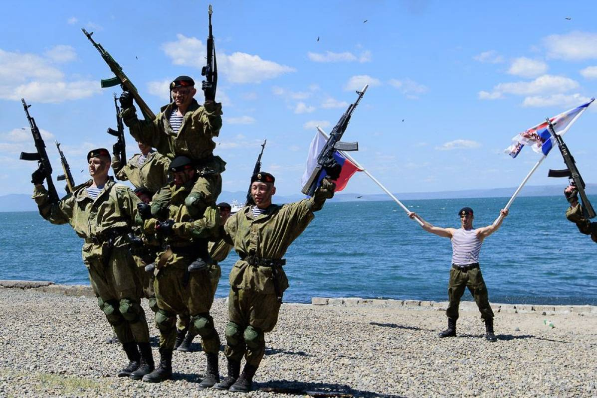 Во Владивостоке состоялся международный заплыв, посвященный Дню Победы