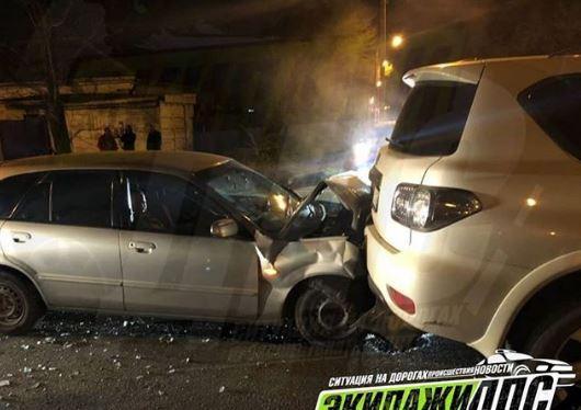 В Приморье пьяный водитель на иномарке протаранил Nissan Patrol