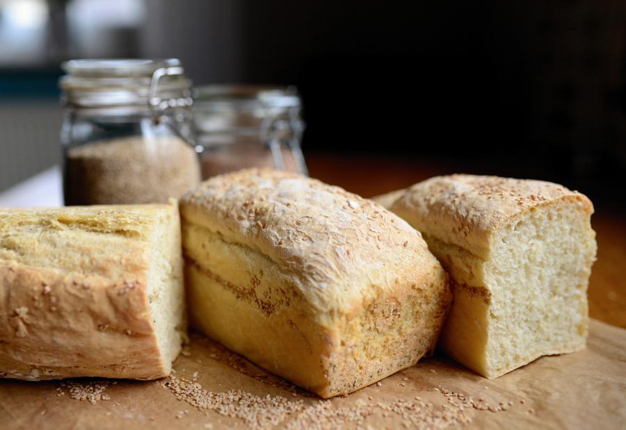 «Это ещеполбеды»: неожиданную находку обнаружил приморец в булке хлеба