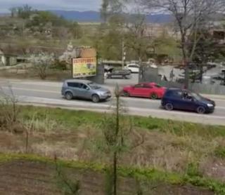 Фото: скрин из @artem.news.plus   «Ад для водителей»: приморцы из-за нового светофора стоят в пробках
