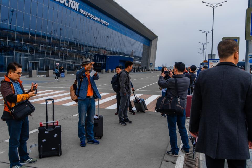 Во Владивостоке пропавший турист из Южной Кореи нашелся пьяным и без обуви