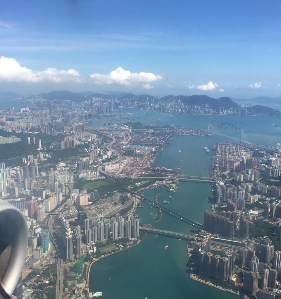Куда поехать – в Гонконг или  Сингапур?