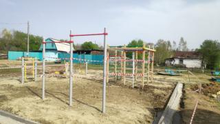 Фото: adm-ussuriisk.ru | В Уссурийске завершается строительство двух многофункциональных спортивных площадок