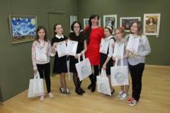 Юные художники Приморья представили свое видение знаменитых картин мира