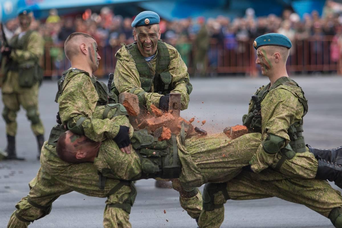 Во Владивостоке впервые прошел военно-патриотический фестиваль «Найди себя»