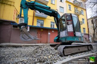 Фото: vlc.ru   Во Владивостоке ремонтируют 22 двора