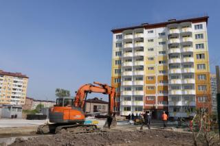 Фото: adm-ussuriisk.ru   В Уссурийске строятся три дома для переселения граждан из аварийного жилья
