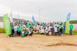 Фото: «Восточный Порт»   «Восточный Порт» и жители Врангеля провели морской субботник в рамках «Экомарафона-2021»
