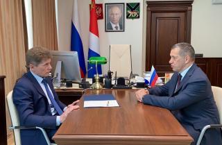 Фото: primorsky.ru   Юрий Трутнев согласился с Олегом Кожемяко: Владивостоку нужен более сильный управленец