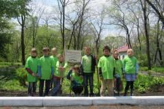 Приморские подростки высадили «Лес Победы»