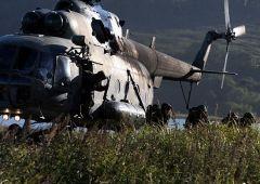 «Черные береты» отрабатывают высадки с вертолета в Приморье