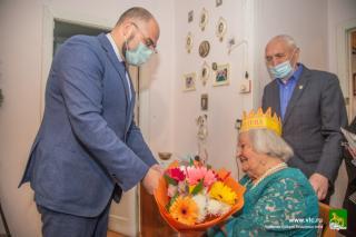 Фото: Анастасия Котлярова / vlc.ru | Во Владивостоке 100-летний юбилей отметила ветеран Великой Отечественной войны