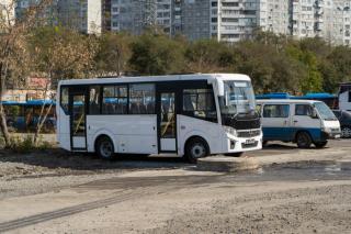 Фото: PRIMPRESS   «Ждать приходится три часа»: приморцам оставили только один автобус