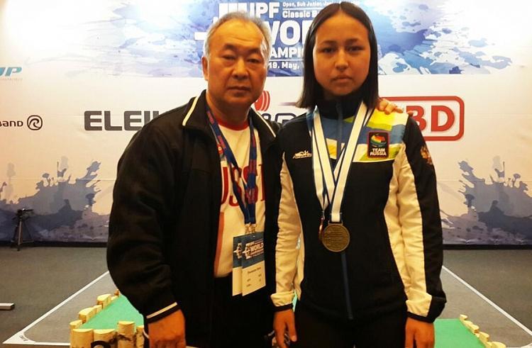 Жительница Приморья стала бронзовым призером первенства мира по жиму штанги