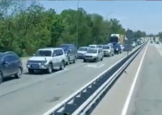 Фото: скриншот artem.news.plus | Два серьезных ДТП спровоцировали пробки на оживленной трассе в Приморье