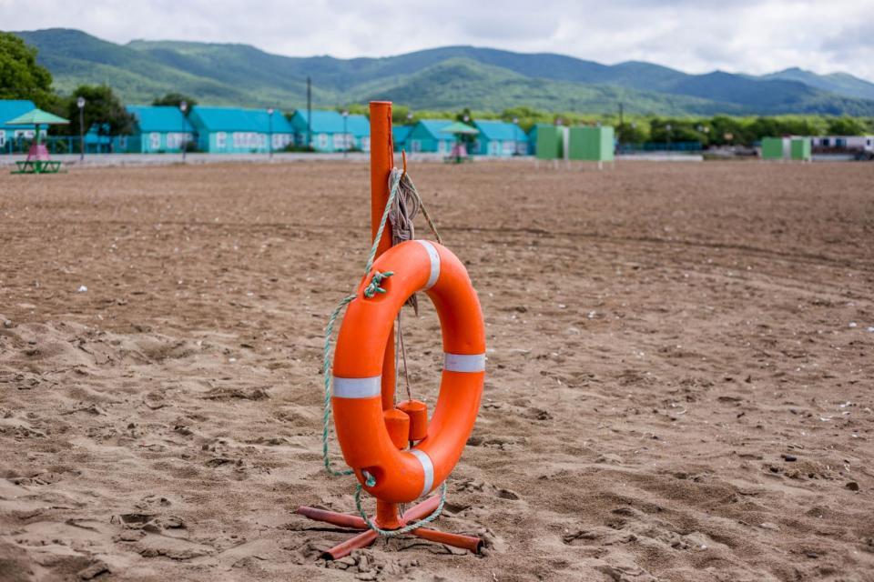 Популярный пляж Приморья оказался самым небезопасным
