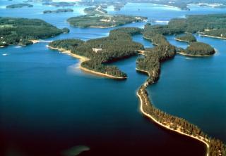 Фото: freepik.com   Финляндия – идеальный летний отдых в сказочном озерном крае
