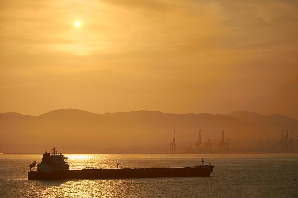 Застрявшие в Эмиратах приморские моряки получили помощь
