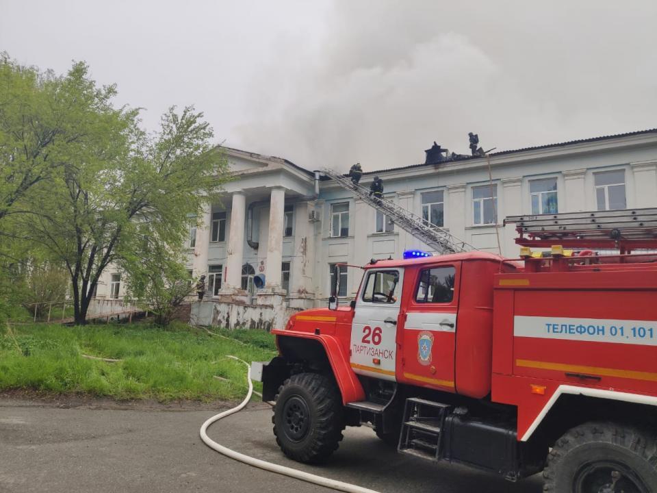 Видео: Олег Кожемяко приехал в Партизанскую больницу, где произошел крупный пожар
