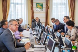 Фото: vlc.ru | И. о. главы ВладивостокаКонстантин Шестаков поручил создать центр управления муниципалитетом