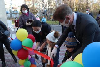 Фото: Екатерина Дымова / PRIMPRESS | Олег Кожемяко в ежегодном докладе рассказал об увеличении количества мест в детских садах края