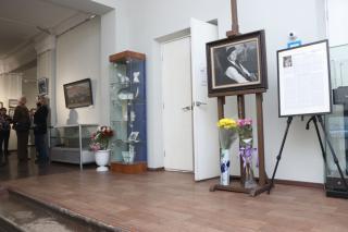 Фото: Екатерина Дымова / PRIMPRESS | Во Владивостоке открылась третья выставка, посвященная 100-летию приморского художника Ивана Рыбачука