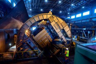 Фото: АО «Восточный Порт»   Ноу-хау инженеров АО «Восточный Порт» повысило эффективность выгрузки вагонов с углем