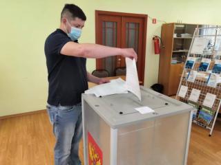 Фото: Единая Россия | За кандидатов «Единой России» проголосовали в очном формате и дистанционно более 60 тысяч человек