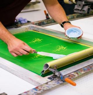 Фото: freepik.com | Офсетная или трафаретная печать: что лучше?