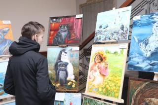 Фото: Екатерина Дымова / PRIMPRESS   «Коты. Перезагрузка»: во Владивостоке открылась коллективная выставка