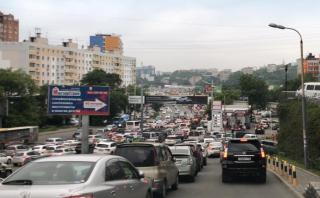 Фото: PRIMPRESS | Стихия поставила Владивосток в пробки