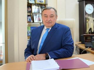 Фото: zspk.gov.ru   Приморский парламентарий ответил на вопросы молодых родителей