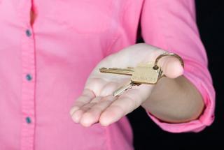 Фото: pixabay.com | «Прождали два часа»: приморцев лишили денег и жилья