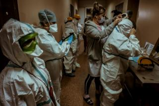 Фото: Анна Шеринберг / PRIMPRESS   Более 80%: COVID-19 вынуждает приморцев проводить лето в больницах