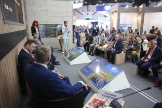 Фото: АО «Восточный Порт» | Перспективы реализации цифровых технологий для развития транспортной отрасли страны обсудили на ПМЭФ-2021