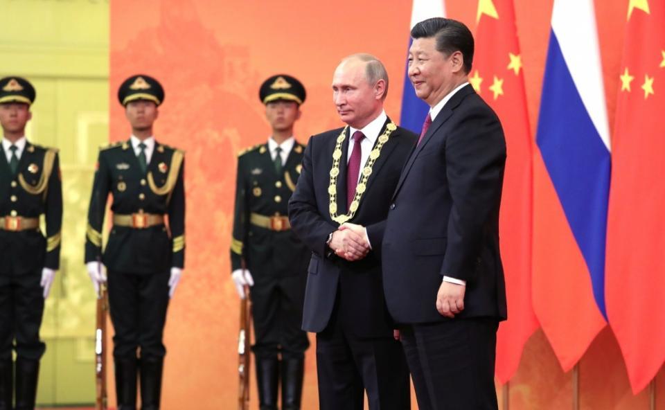 Путин пригласил лидера КНР Си Цзиньпина на ВЭФ