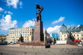 Фото: администрация Владивостока | «Выглядит несколько странно»: что начали делать на площади в центре Владивостока