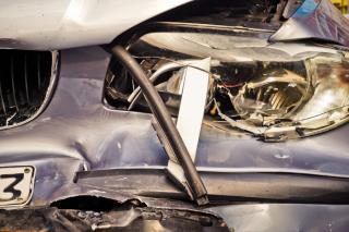 Фото: pixabay.com | Всмятку: в Приморье женщина за рулем Toyota Corolla протаранила здание